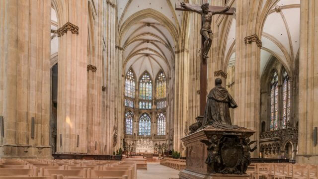 Innenaufnahme des Dom St. Peter in Regensburg